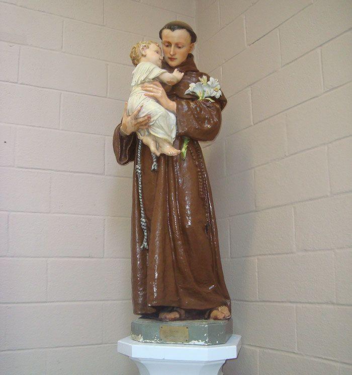 great-grandma-prays-lord-of-the-rings-figurine-8
