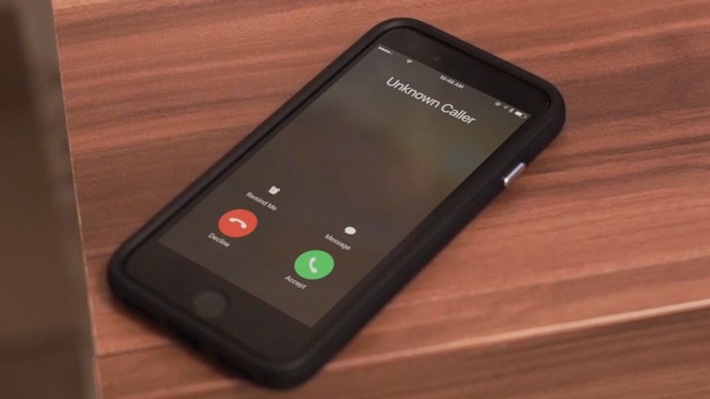 الأسباب التي تحتم عليك معاودة الاتصال ب رقم غير معروف مكالمة لم يرد عليها جهات الاتصال صاحب الرقم الرد على الأرقام الغريبة