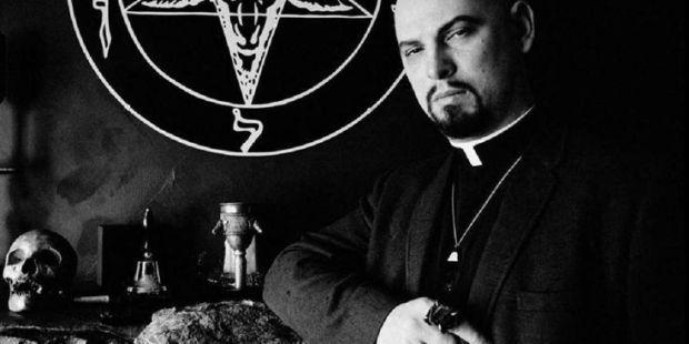 أغرب الطوائف الدينية حول العالم الطوائف الحقيقية كانت موجودة على مر التاريخ كنيسة الشيطان دراسة أديان العالم الأديان حول العالم