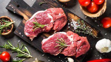 بحسب خبراء التغذية: لا تتناول هذه الأطعمة بدون طهي الإصابة المشاكل الصحية الناتجة عن تناول الطعام النيء نصائح من خبراء التغذية