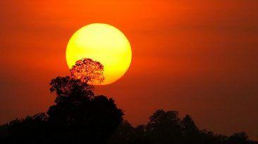 ماذا سيحدث لو اختفت الشمس هل يمكن أن يعيش الإنسان بدون ضوء الشمس أهمية الشممس عند البشر نهاية الحياة على الأرض اختفاء الشمس